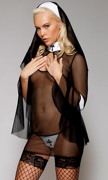 фото голых девушек в костюме монашек